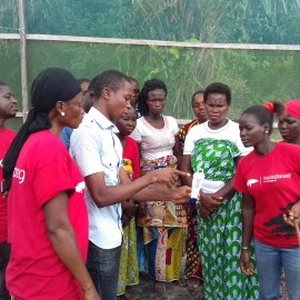 Education of a women's group which started with a small horticultural project for the first time. With the Farmstrong Foundation.